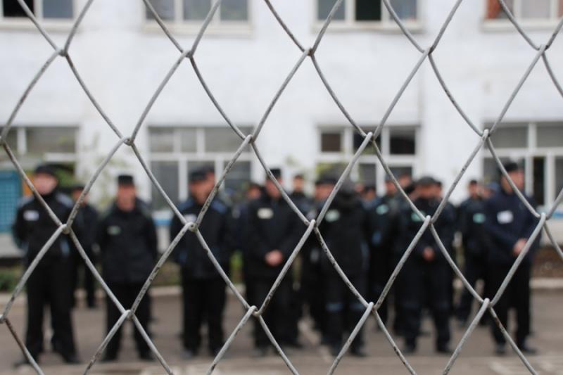 Экс-инспектора колонии под Красноярском подозревают вполучении взяток