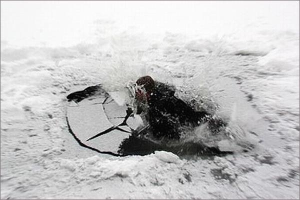 ВКанске впроцессе прогулки 8-летний ребенок провалился под лёд