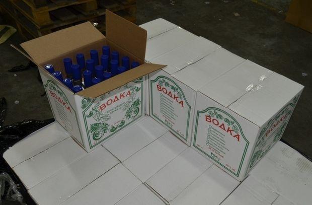 ВКрасноярске полицейские закрыли цех разлива контрафактного алкоголя с800 бутылками «Боярышника»