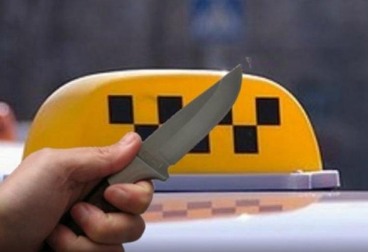 ВЖелезногорске пассажир ударил ножом водителя такси и исчез