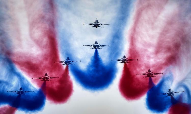 Военные самолеты ивертолеты пролетят над Самарой вДень Победы