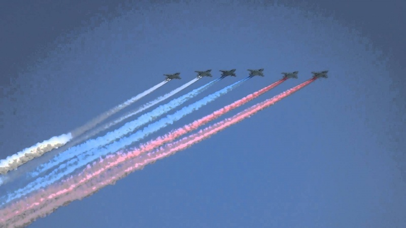 Над Красноярском пролетят боевые вертолеты исамолеты