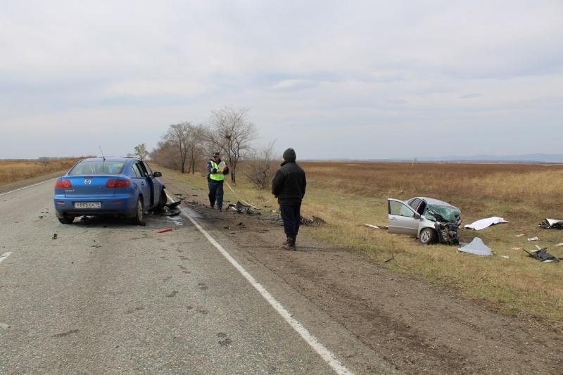 Появились фото превращенного вгруду металла авто после ДТП вХакасии
