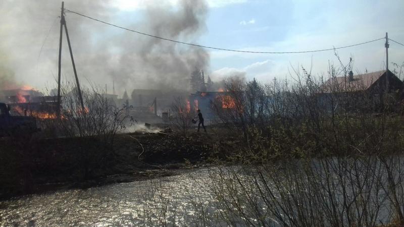 Вдеревне вКрасноярском крае сгорели сразу восемь домов