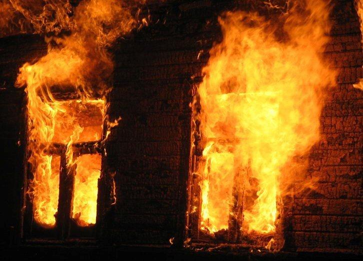 Женщина идвое детей погибли вовремя пожара вКрасноярском крае