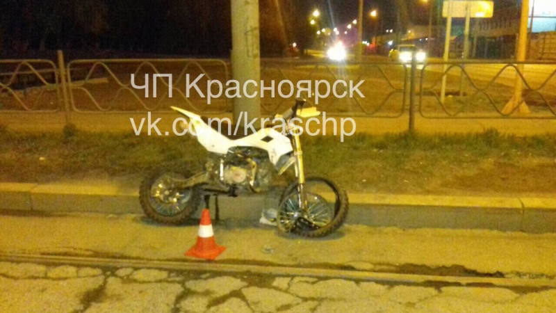 17-летний нетрезвый мотоциклист устроил ночью ДТП вКрасноярске