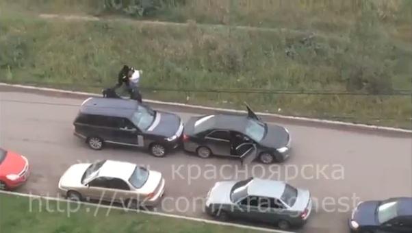 ВКрасноярске вооружённые люди вмасках похитили мужчину