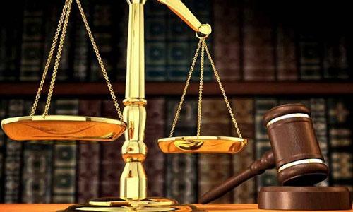 Двоих судят засгоревший БМВ должника водворе «Северного»