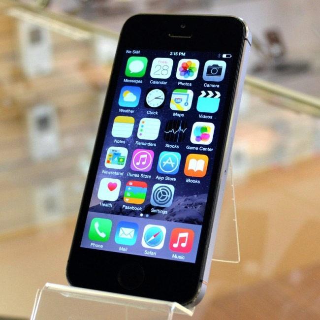 Гражданин  Минусинска отсудил 109 тыс.  руб.  забракованных IPhone— Испорченный телефон