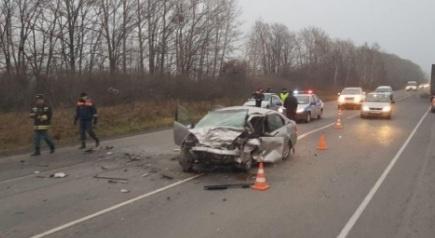 ВКрасноярском крае под Ачинском вДТП стремя машинами умер человек