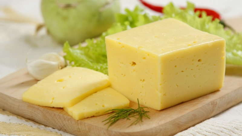 Специалисты проверили качество сыра вмагазинах Красноярска