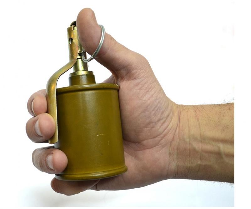 Вкрасноярском магазине схвачен мошенник сосколочной гранатой