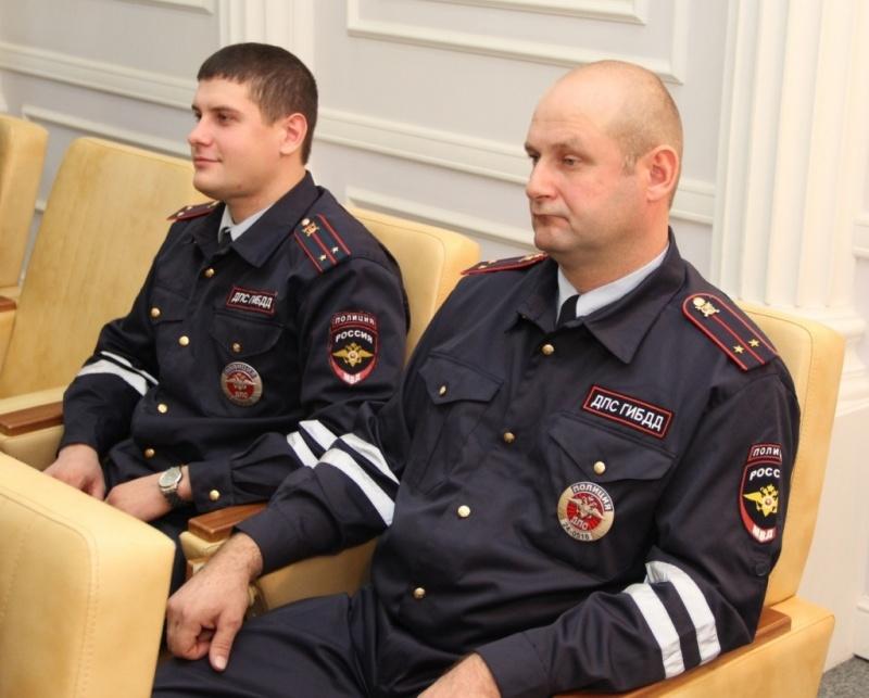 Отказавшиеся открупной взятки полицейские получили премию в97 тыс.