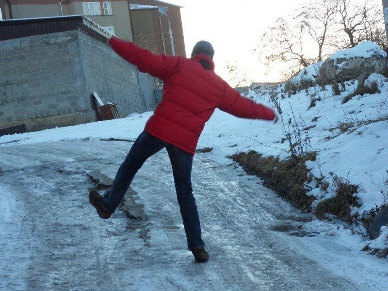 ВКрасноярском крае 10-летний парень умер, катаясь поналеди