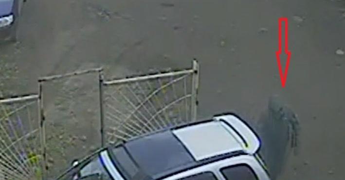 Автовор вКрасноярске непостыдился украсть детское кресло