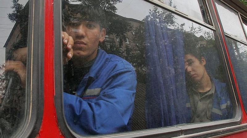 Автобус снеисправным рулем вез 50 пассажиров вБишкек