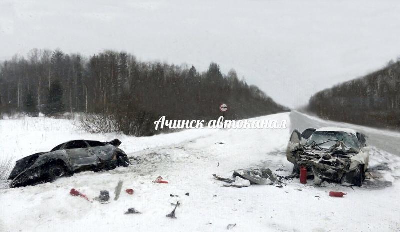 Двое человек живьем сгорели виномарке после ДТП под Красноярском