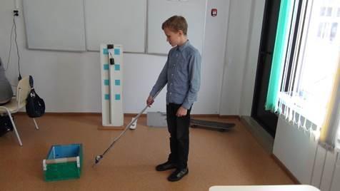 Красноярский школьник изобрел электронный пообразу иподобию собаки-поводыря