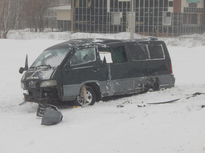 Натрассе вНазаровском районе перевернулся рейсовый микроавтобус «Ужур -Красноярск»