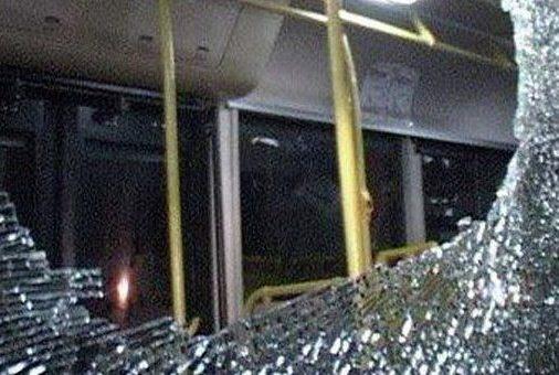 ВКрасноярске хулиганы обстреляли автобус
