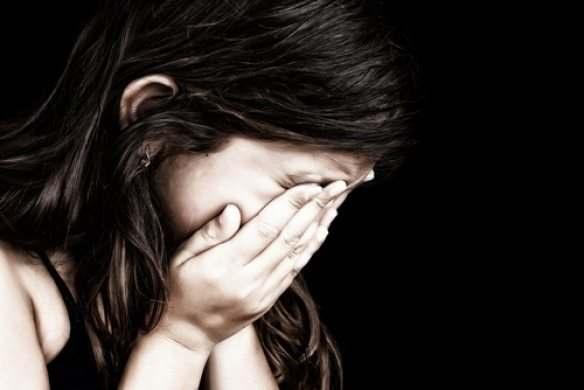 Гражданин Красноярского края семь лет насиловал дочь ивыкладывал видео винтернет