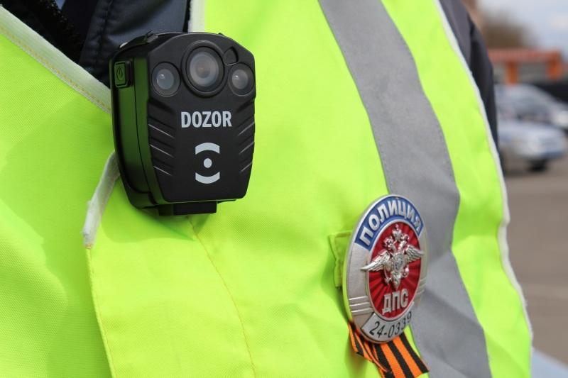 Инспекторов ДПС оборудовали нагрудными видеорегистраторами